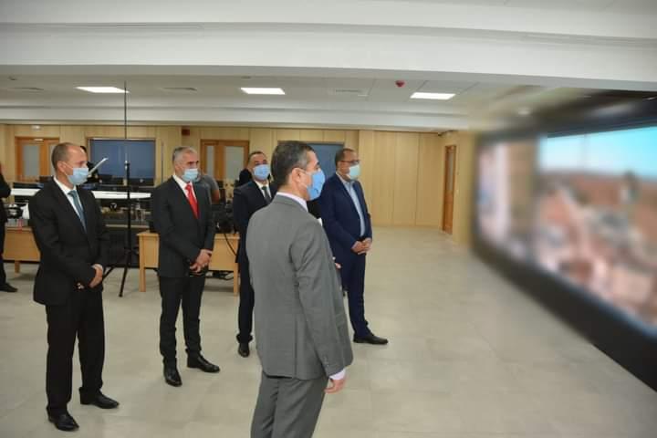 رئيس الحكومة يتحوّل إلى قاعة العمليات المركزية بوزارة الداخلية