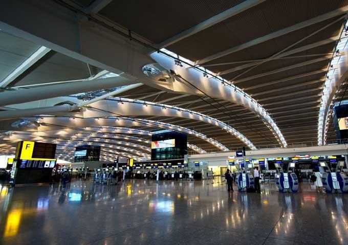 مطار هيثرو في لندن