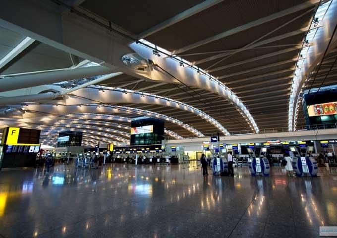 مطار هيثرو يتوقع المزيد من التأخير والإلغاء لرحلات الخطوط الجوية البريطانية