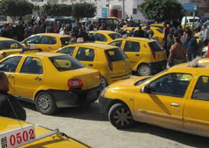 """الغرف النقابية لأصحاب سيارات التاكسي ترى أن """"لا جدوى من الدخول في إضراب"""" يوم الاثنين القادم"""