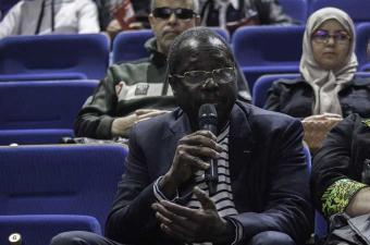 """تكريم المخرج البوركيني """"إدريسا ويدراوغو"""" بالمكتبة السينمائية التونسية"""