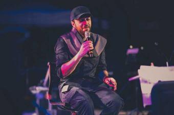 نجاح كبير لعبد الرحمان محمد  ليلة الجمعة على ركح مسرح قرطاج الدولي