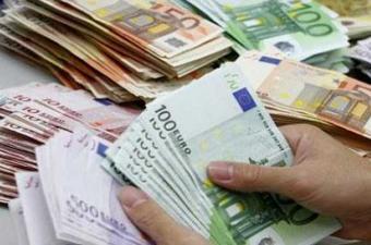 مدير بالشركة التونسية للبنك: تقلص احتياطي تونس من العملة الصعبة يرجع لإنشاء مخزون من القمح والنفط والأدوية