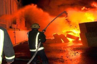 حريق بمصنع الإسمنت بجبل الوسط من ولاية زغوان يسفر عن خسائر مادية