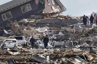 زلزال المكسيك يتسبب في مقتل خمسة اشخاص على الأقل وموجات مد صغيرة