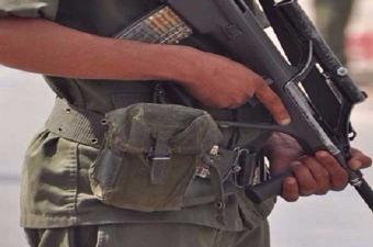 وفاة عسكري بطلق ناري من سلاحه