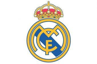 """قاد كريستيانو رونالدو المتألق ريال مدريد لفوز عريض 4-1 على """"سيلتا فيغو"""" مساء امس الأربعاء ليبتعد فريق المدرب زين الدين زيدان بثلاث نقاط في صدارة بطولة الدرجة الأولى الاسبانية لكرة القدم ويصبح على مرمى حجر من الفوز باللقب لأول مرة في خمس سنوات. ويتصدر ريال"""