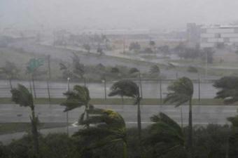 إعلان حالة الطوارئ في ولايات فلوريدا وألاباما ومسيسبي بالولايات المتحدة