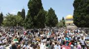 آلاف الفلسطينيين يتدفقون إلى القدس لأداء جمعة رمضان الثانية برحاب الأقصى