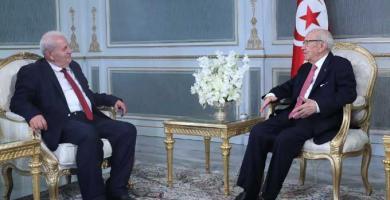 رئيس الجمهورية يلتقي رئيس الكتلة الوطنية مصطفى بن أحمد