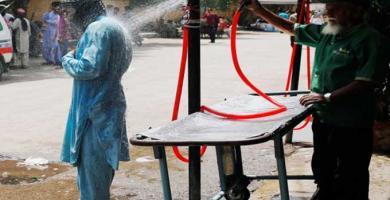 وفاة 65 شخصا في موجة حر بمدينة كراتشي في باكستان